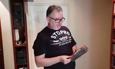 Hirek Wrona w koszulce Stoprocent