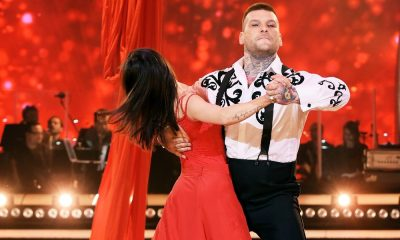 popek tanczy